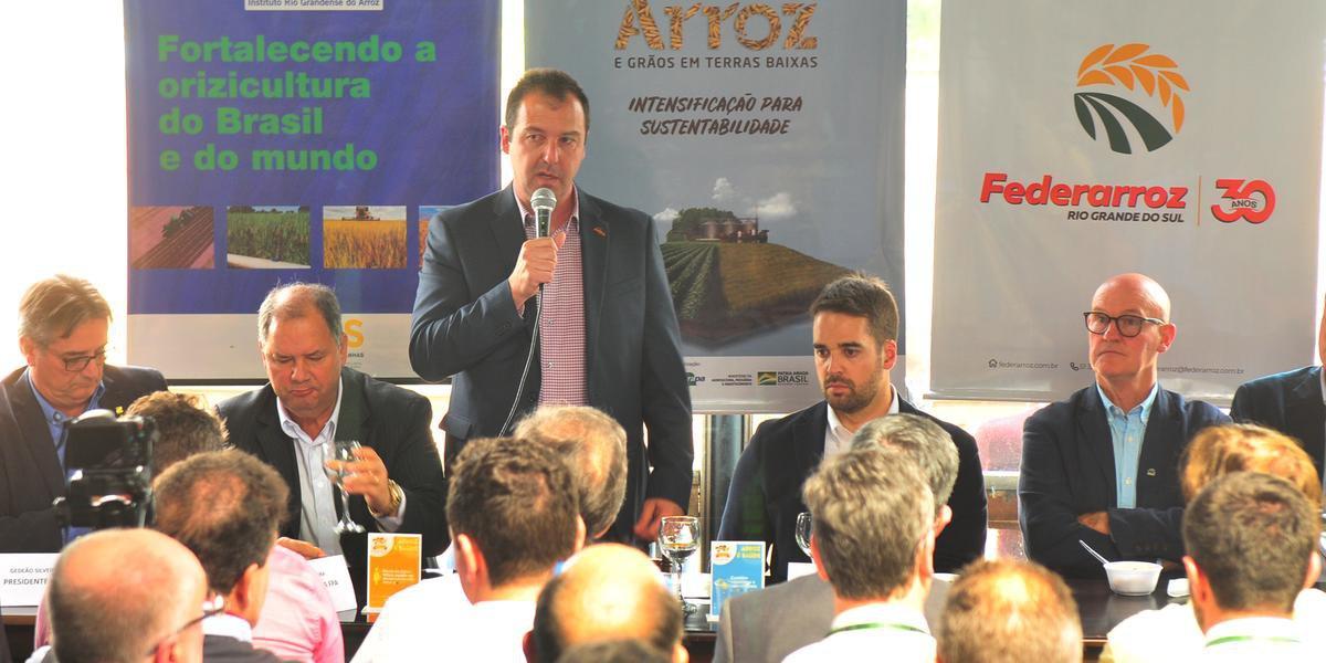 Alexandre Velho, presidente do Federarroz, apresentou números durante coletiva nesta segunda-feira na Expointer