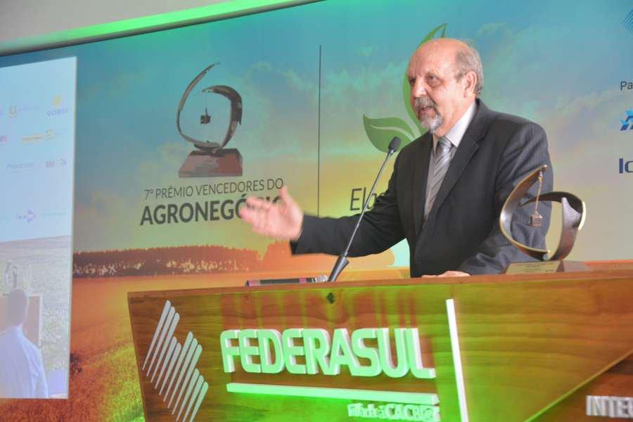 Presidente da Languiru, Dirceu Bayer, afirmou que cooperativa, mesmo com a crise, não deixou de investir no seu parque industrial