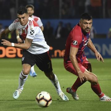 Cerro Porteño saiu na frente, mas River buscou resultado e garantiu vaga na semifinal