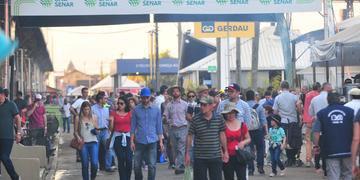 Nem o calor afastou os visitantes do Parque Assis Brasil