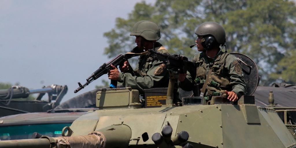 Nicolás Maduro determinou a realização de exercícios militares na semana passada