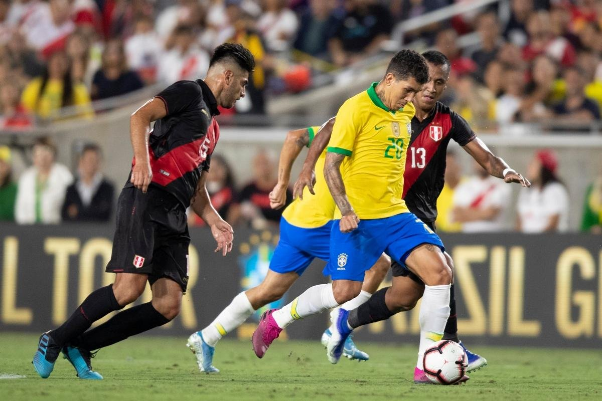Resultado de imagem para Neymar entra, Vinícius Jr. estreia e seleção brasileira perde para Peru