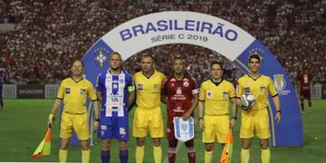 Equipe paraense reclama que pênalti marcado por Leandro Vuaden nos minutos finais de jogo não existiu