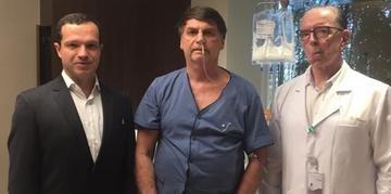 Bolsonaro agradeceu aos médicos durante live em rede social