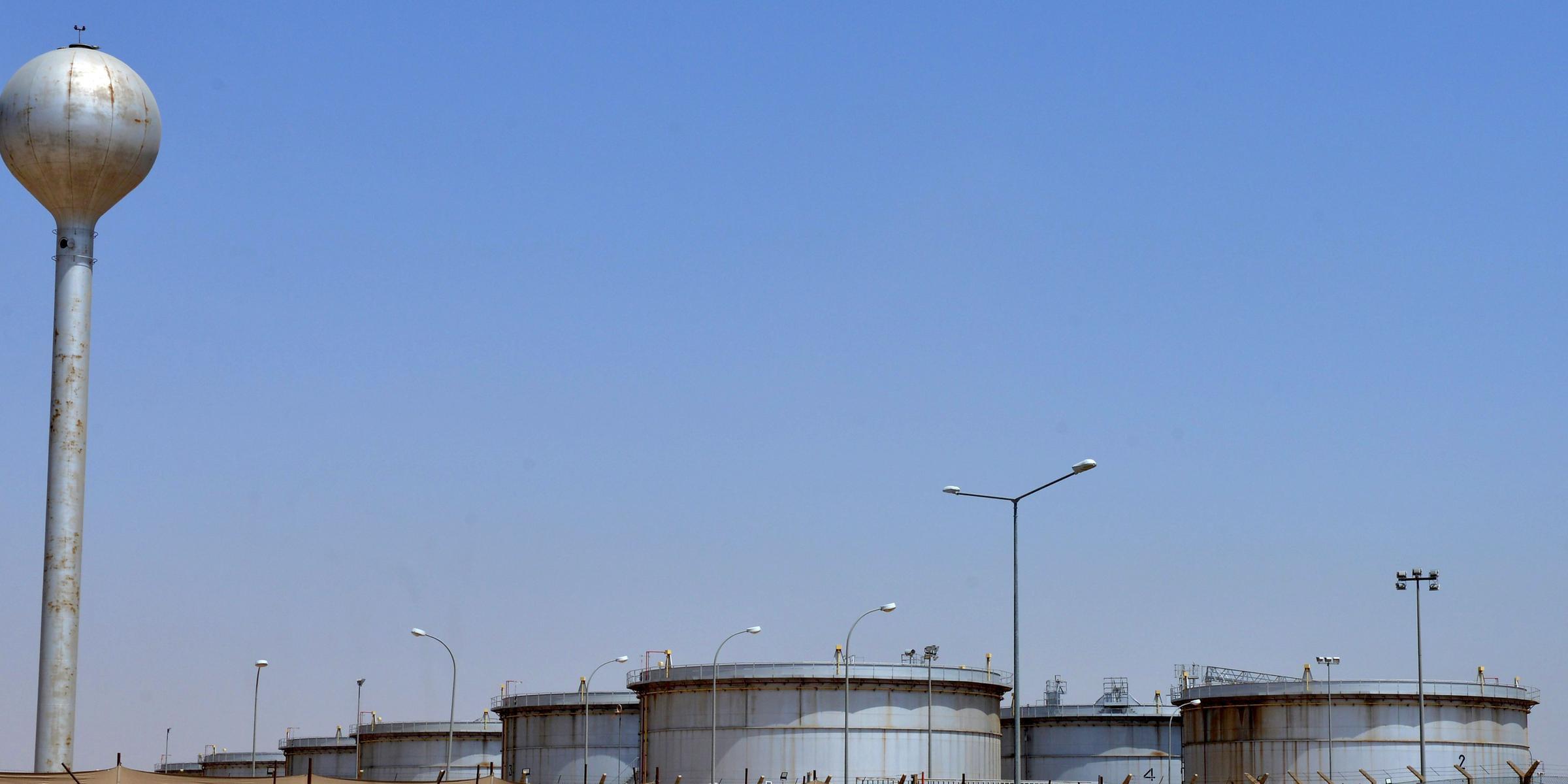 Ataques do fim semana atingiram infraestruturas petroleiras na Arábia Saudita
