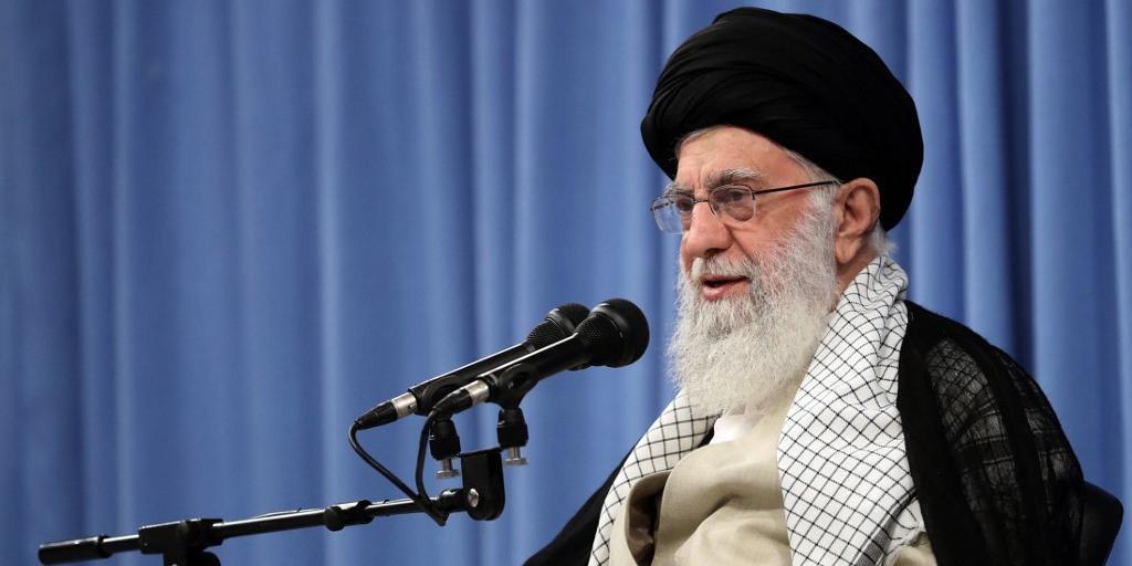 Ali Khamenei afirma que qualquer tipo de negociação levaria EUA a