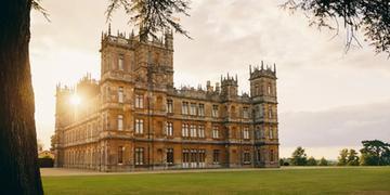 Condessa de Carnarvon irá escolher duas pessoas para passarem uma noite no Highclere Castle