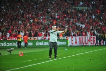 Odair Hellmann reconheceu pontos fortes do Athletico-PR e pediu foco no Brasileirão