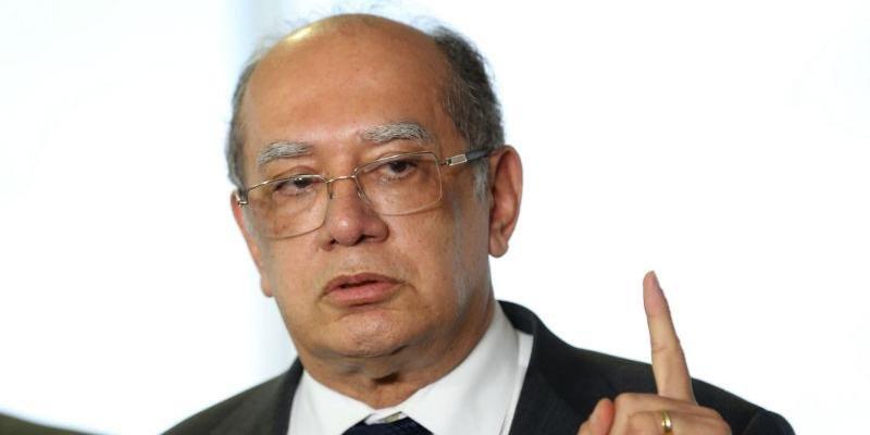Gilmar Mendes lamentou que o Brasil tenha ficado refém de uma pessoa com tendências suicidas