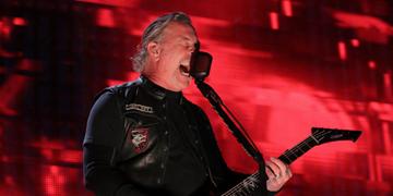 Hetfield retorna para programa de reabilitação