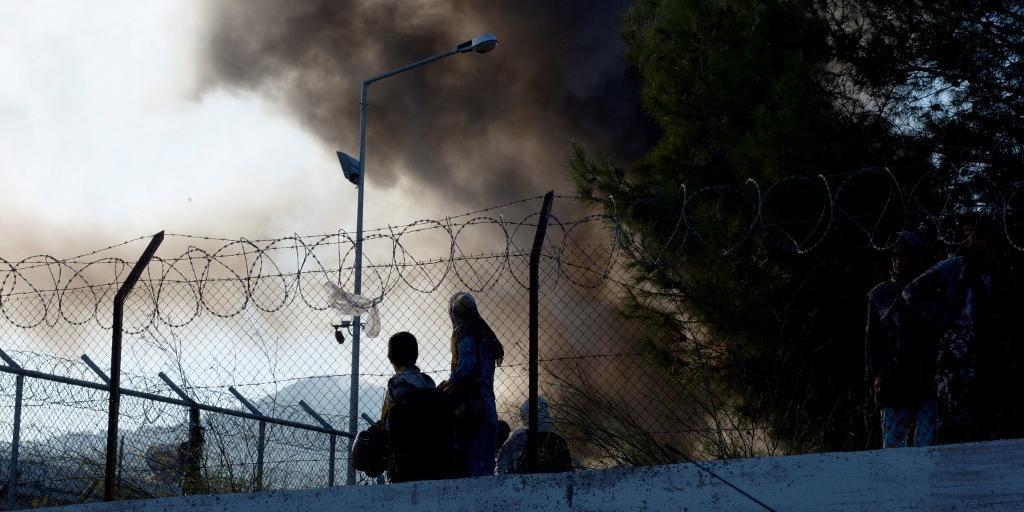 Incêndio em campo de refugiados deixou pelo menos dois mortos