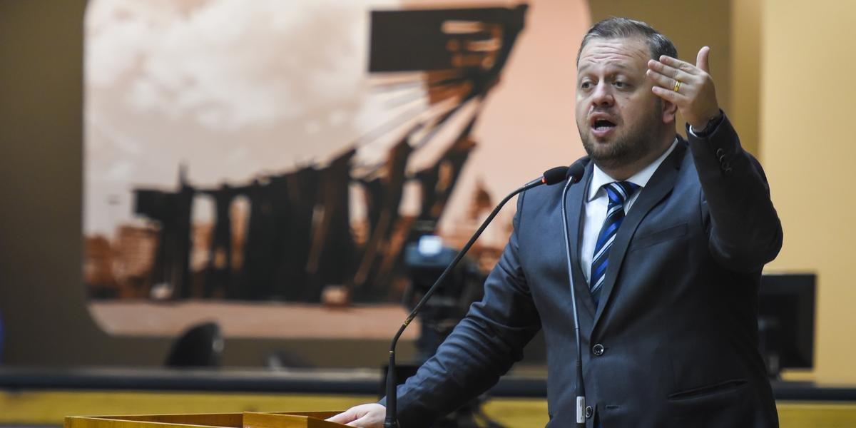 André Carús foi preso por suspeita de extorquir funcionários de seu gabinete