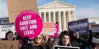 Americanas protestaram a favor do aborto seguro e legal durante o ano