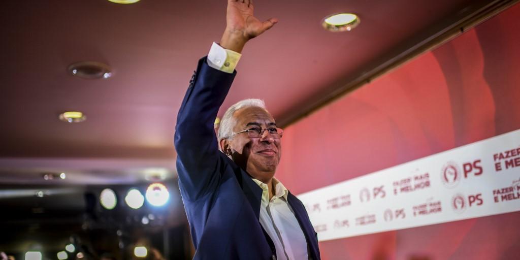Socialista, Costa sai fortalecido das eleições em Portugal