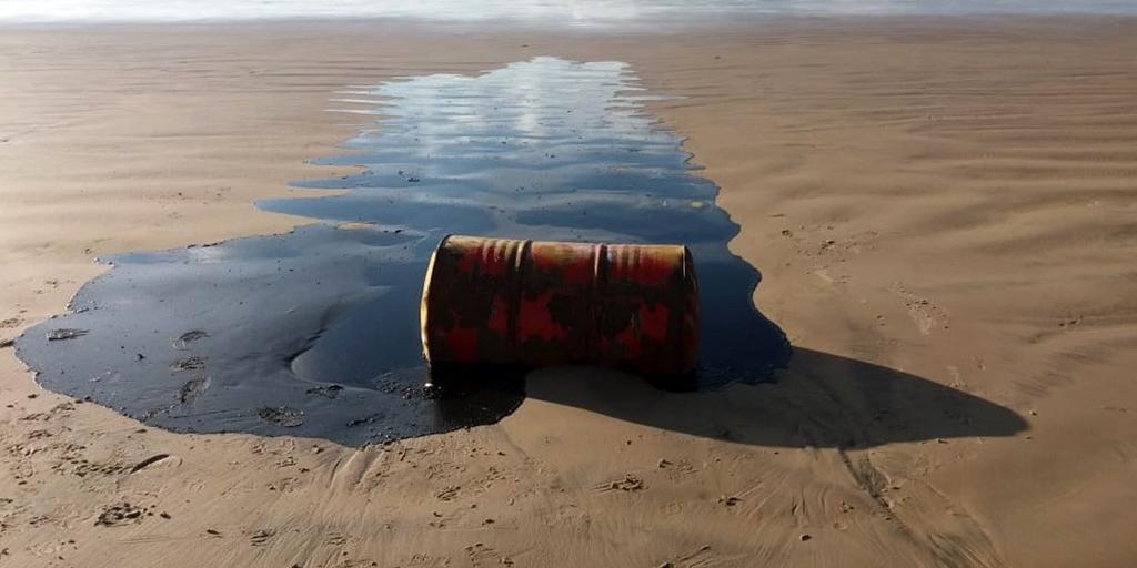 Perguntado, Bolsonaro disse ainda não poder dizer país de origem do óleo