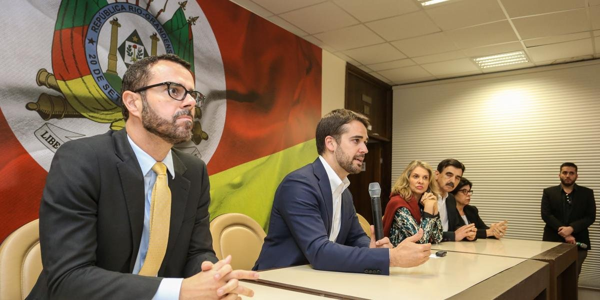 Ao lado de secretários, governador Eduardo Leite fez apresentação dos principais pontos dos projetos