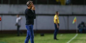 Renato elogiou Luan e poupou críticas ao goleiro Paulo Victor