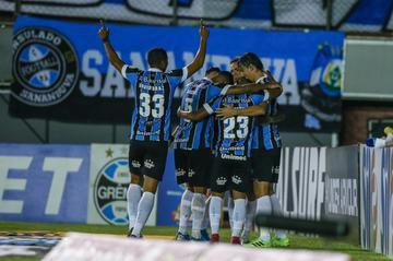 Grêmio venceu com gols marcados por Geromel e Maicon