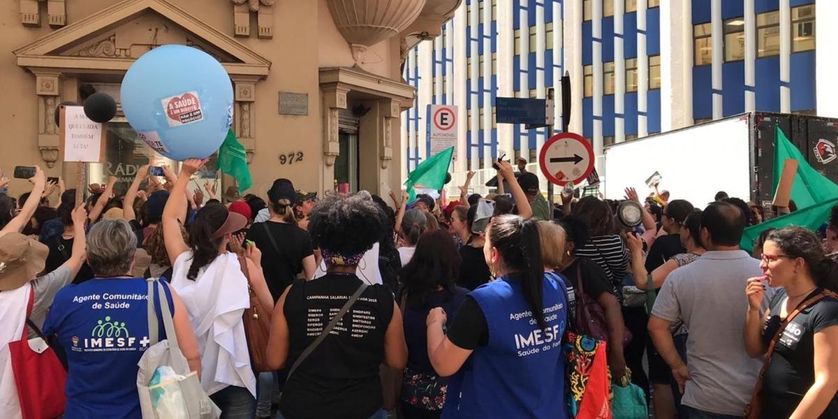 Manifestantes protestaram na Esquina da Comunicação