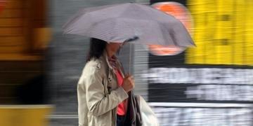 Tempo deve ser chuvoso em todo o Estado nesta segunda-feira