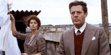 Sophia Loren e Marcello Mastroianni estrelam
