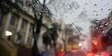 Chuvas devem permanecer no RS nesta terça-feira