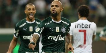 Felipe Melo marcou um dos gols na goleada do Palmeiras