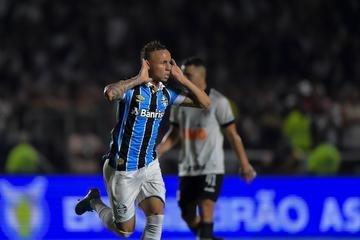 Everton foi um dos destaques da vitória do Grêmio sobre o Vasco em São Januário na noite desta quarta-feira
