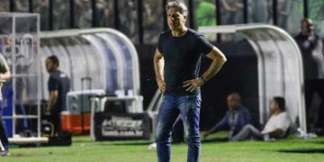 Técnico Renato Portaluppi explicou alterações e destacou boa atuação na vitória por 3 a 1 sobre o Vasco, no Rio