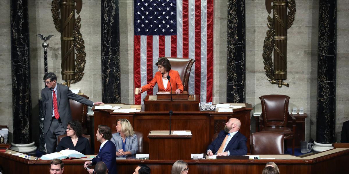 Câmara de Representantes formaliza processo de impeachment de Trump