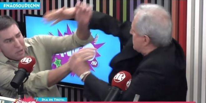 Jornalistas brigaram durante programa de rádio
