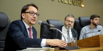 Ex-secretário municipal de Desenvolvimento Econômico esclareceu sobre aluguel de instalações da Pasta