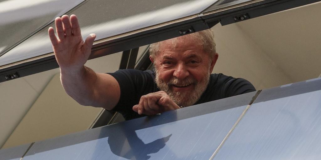 Ex-presidente foi detido após decisão do TRF4 no caso do triplex