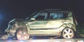 Kia Soul capotou durante perseguição e troca de tiros em Parobé
