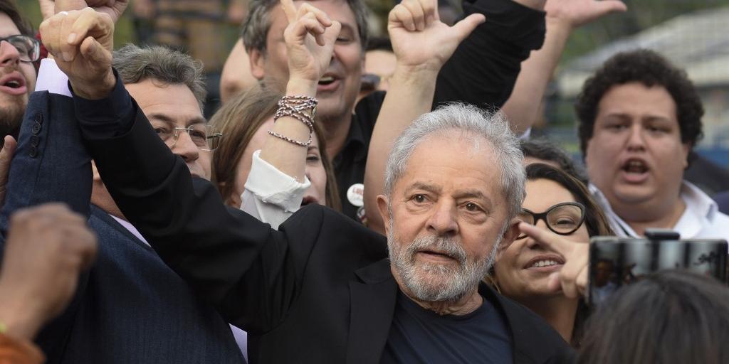 Lula discursou logo após deixar a carceragem da Polícia Federal, em Curitiba