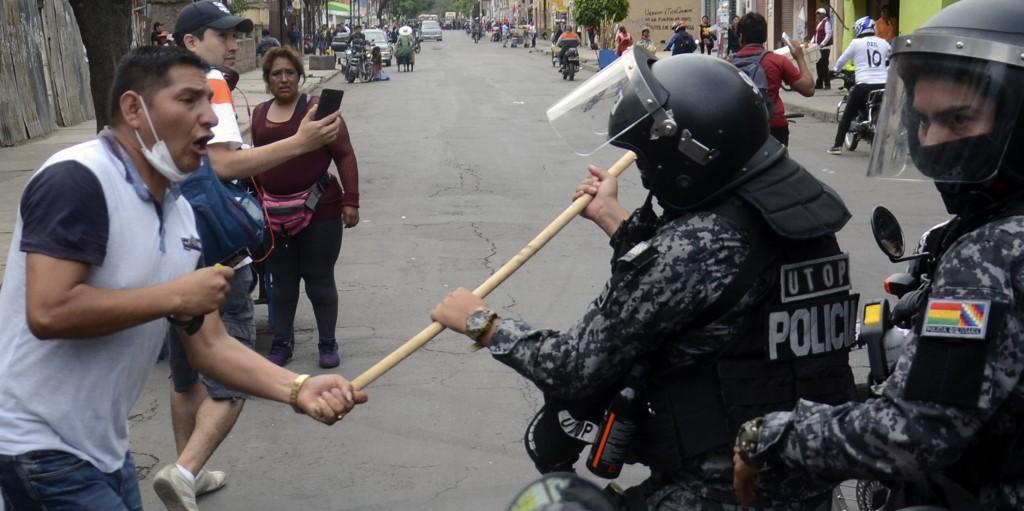 Polícia boliviana afirmou que não irá mais reprimir manifestantes contrários ao governo Evo Morales