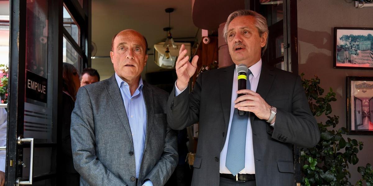 Ele se encontrou com o candidato à presidência do Uruguai pela Frente Ampla