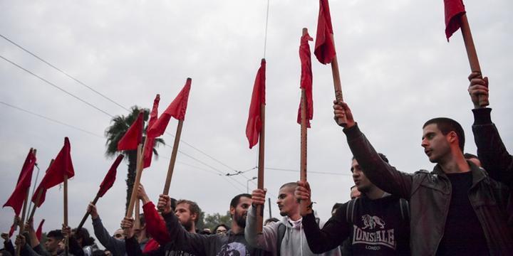 Mais de 30 mil protestam na Grécia contra governo de direita