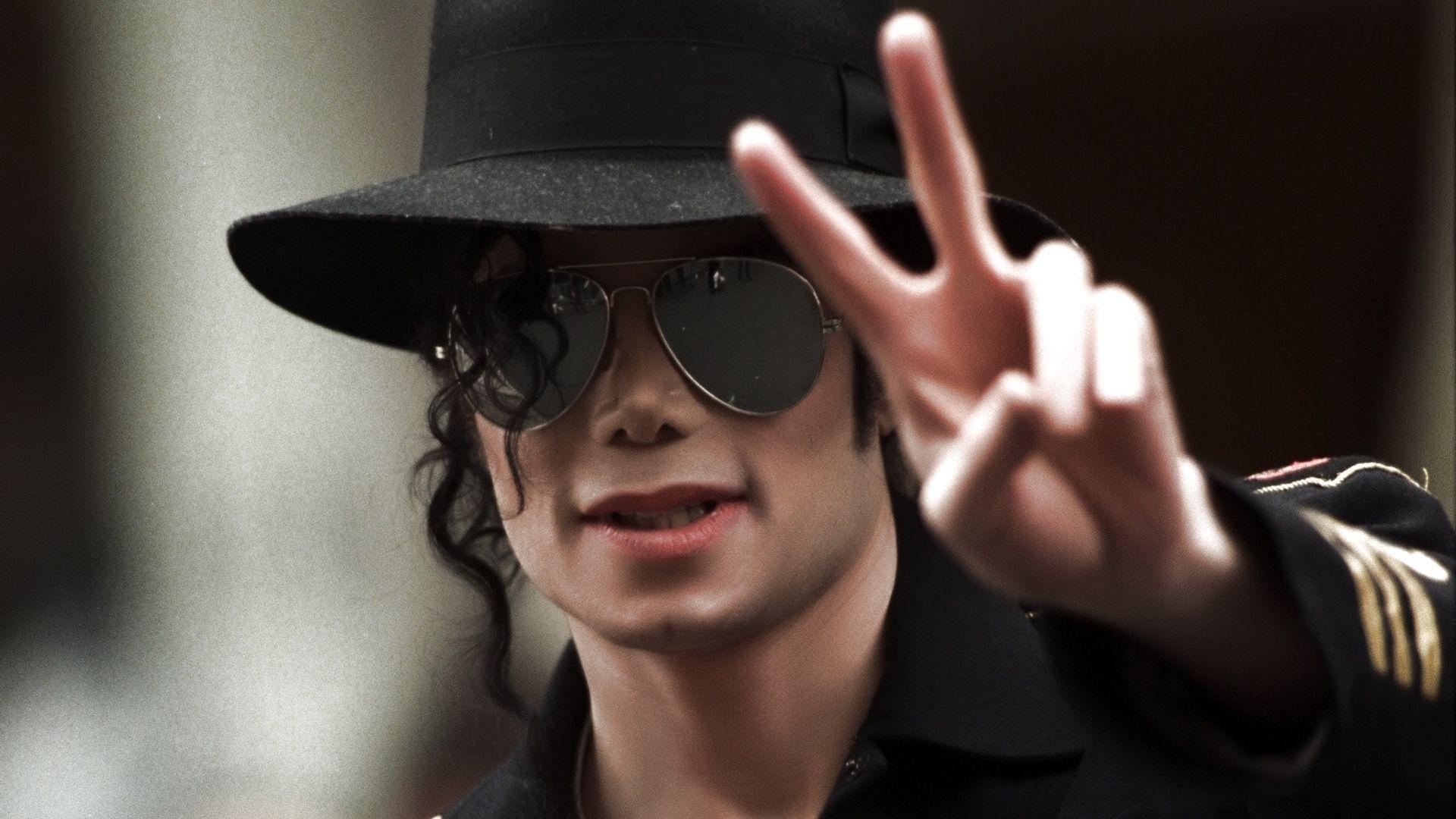 Cinebiografia de Michael Jackson será feita por produtor de ...