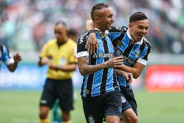 Grêmio venceu com gol de Pepê aos 48 minutos do segundo tempo e ajudou o Flamengo a ser campeão Brasileiro 2019