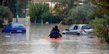 Pessoas ficaram ilhadas com subida das águas