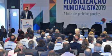 Presidente da Famurs, Dudu Freire abriu encontro com colegas prefeitos em Porto Alegre