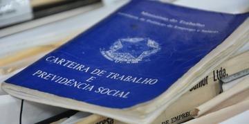 Desemprego atinge mais de 12 milhões de pessoas no Brasil, segundo dados do IBGE