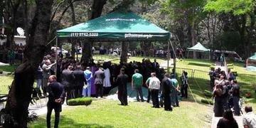 Corpo de Gugu foi sepultado no jazigo da família