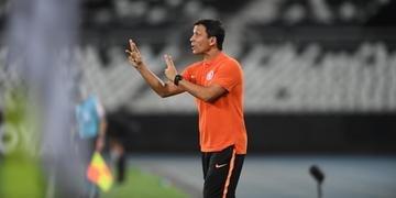 Zé Ricardo elogiou Guerrero após vitória sobre o Botafogo no Rio