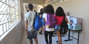 Alunos durante volta às aulas.