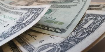 Dólar fechou em queda, cotado a R$ 4,20 nesta terça-feira