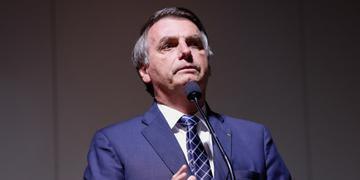 Bolsonaro irá conceder indulto a policiais