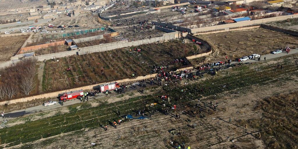 Queda de avião em Teerã deixou todos os passageiros mortos