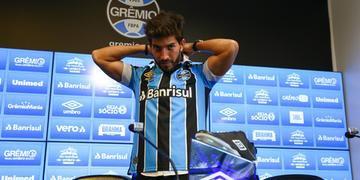 Lucas Silva assinou contrato com o Grêmio até 2023